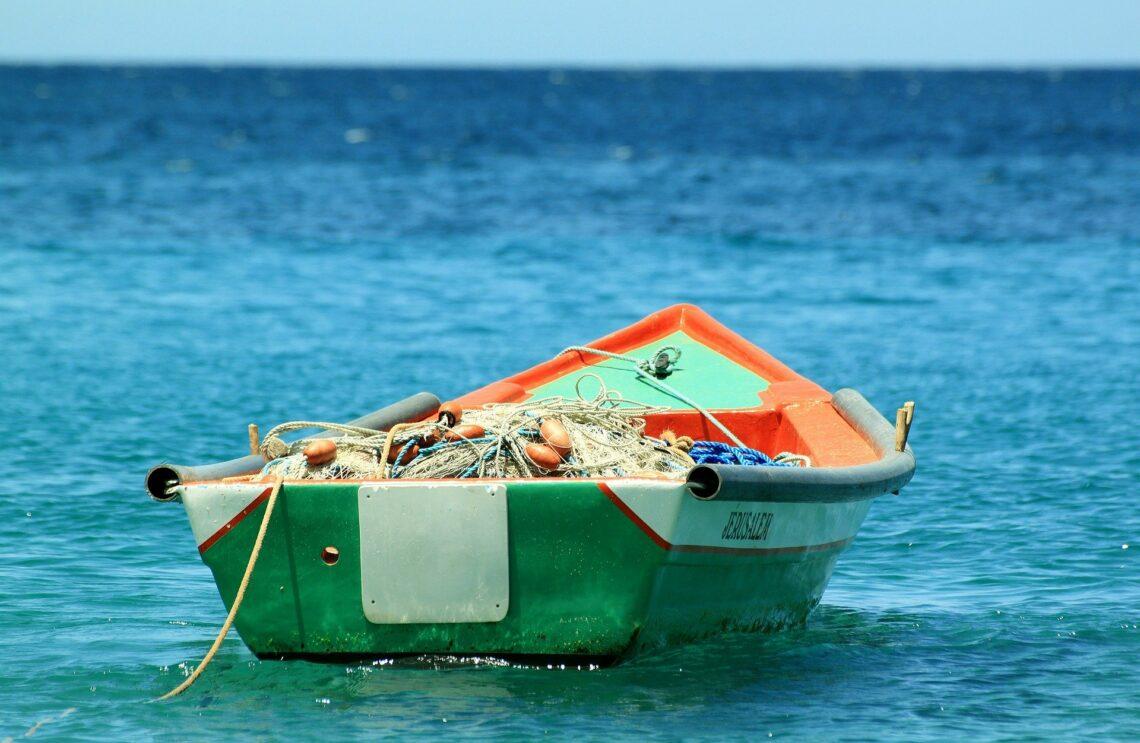 båt av härdplast